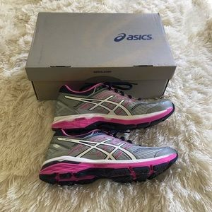 New ASICS shoes size 9.5